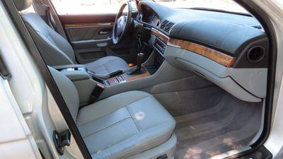 2001 BMW 530i 530iA